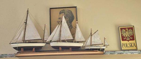 Trzy modele  Zjaw zbudowane przez Władysława Wagnera zdobia dziś ścianę Jego domu w Winter Park.